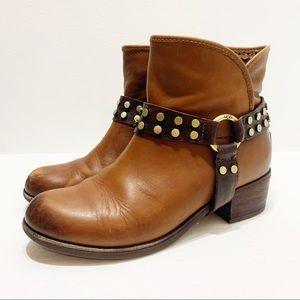 UGG   Darling Brown Leather Boots